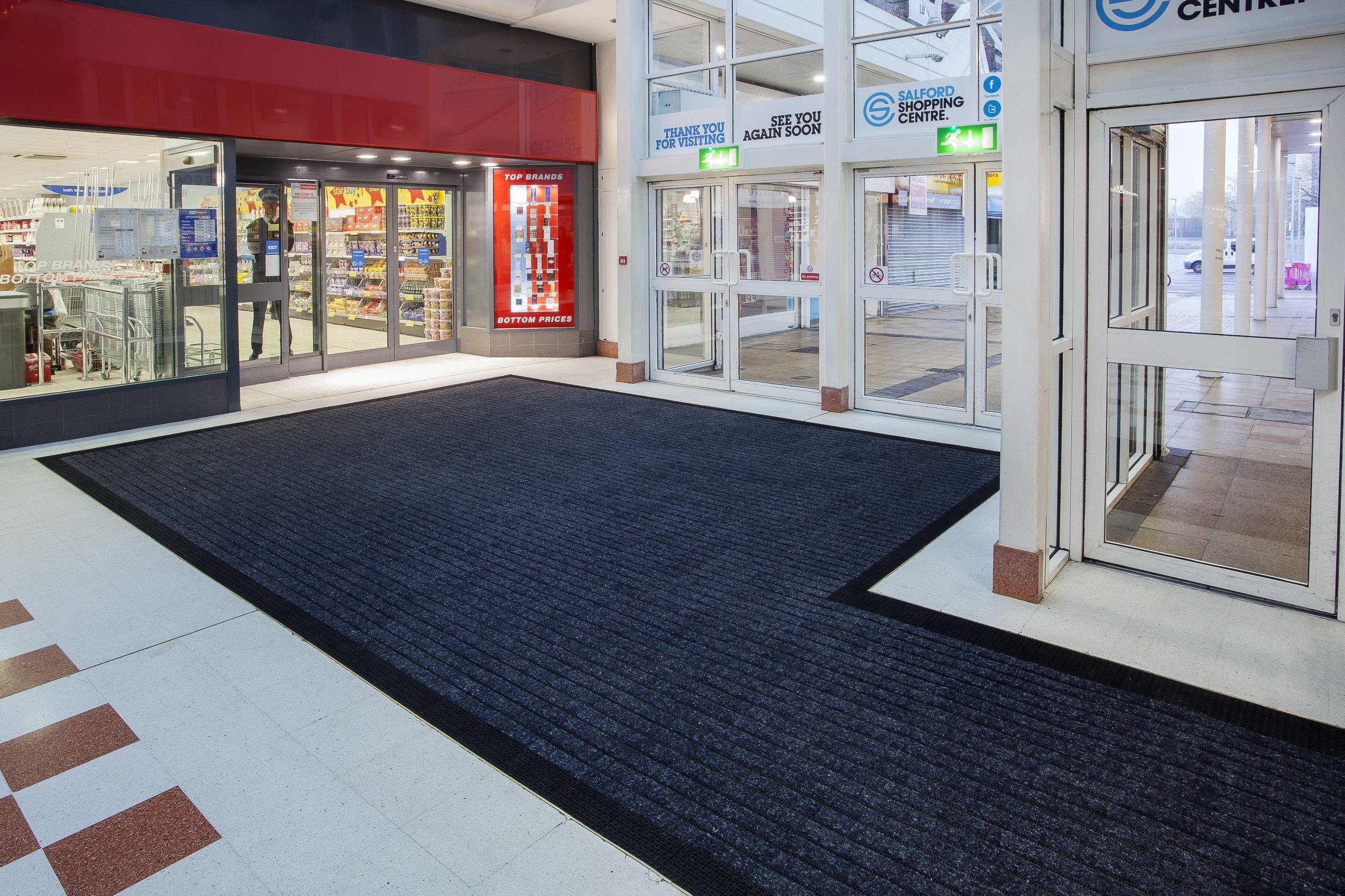 Sintetik carpets especialistas en moquetas suministro y - Felpudos a medida ...